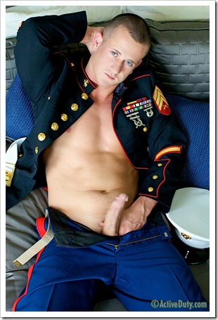 porn-army-gay-A Marine Thats Hung Like A Horse (6)
