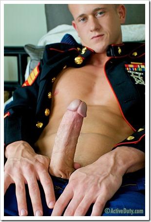 porn-army-gay-A Marine Thats Hung Like A Horse (7)
