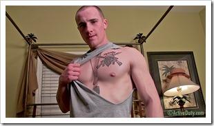 porn-army-gay-04