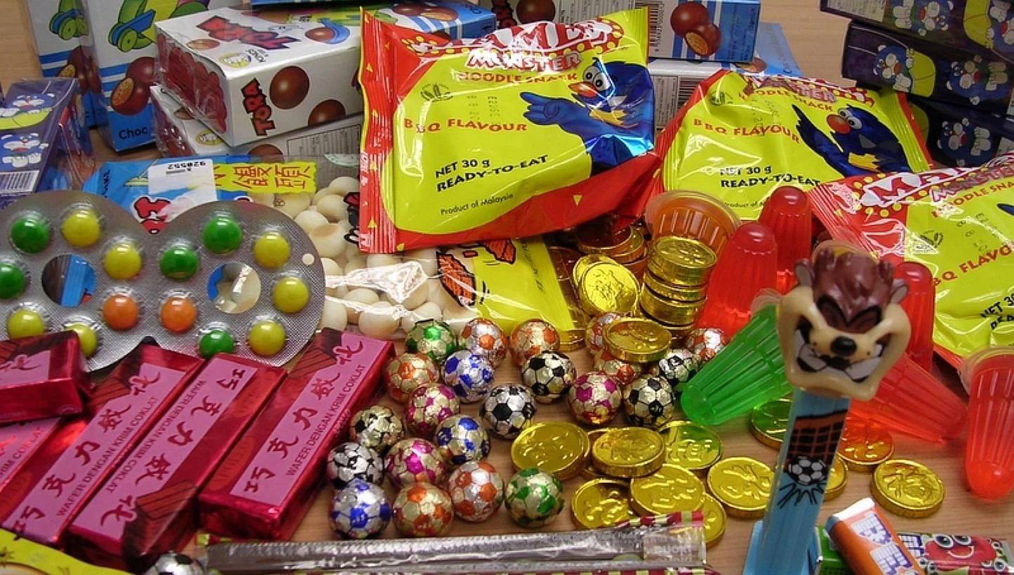 12 Junk Food We Used To Eat In Primary School That Are Now