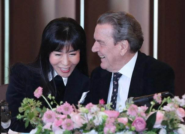 Image result for Gerhard Schröder Kim So-Yeon