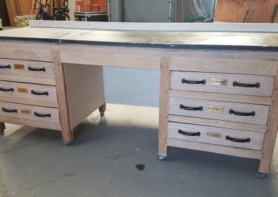 Herstelling houten bakkerstafel