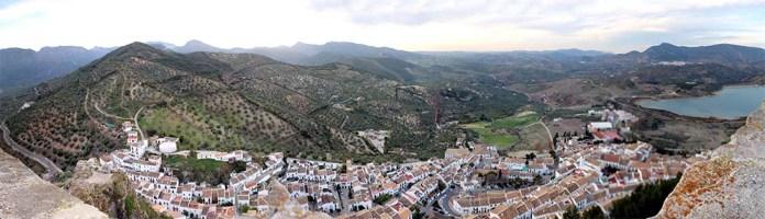 Zahara_de_la_Sierra_Panorama_Annabelle_Haas