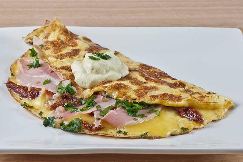 Ham, Cheese & Sundried Tomato Omelette