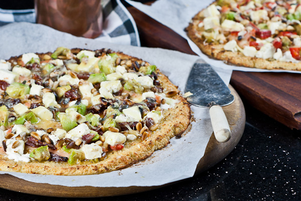 Cauliflower base salmon pizza
