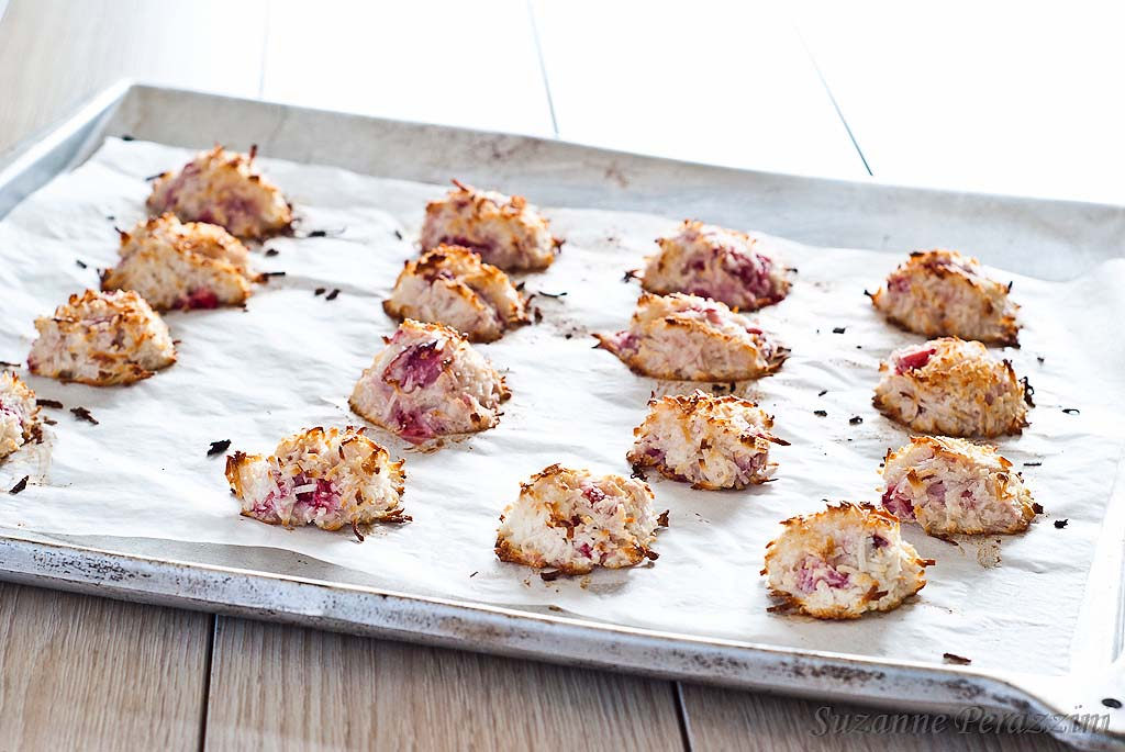 Strawberry, Coconut Macaroons - grain, dairy, gluten, nut and refined sugar-free