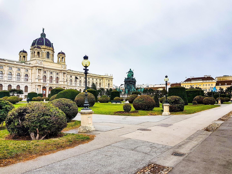 Izlet na Dunaj z avtom in znamenitosti Dunaja