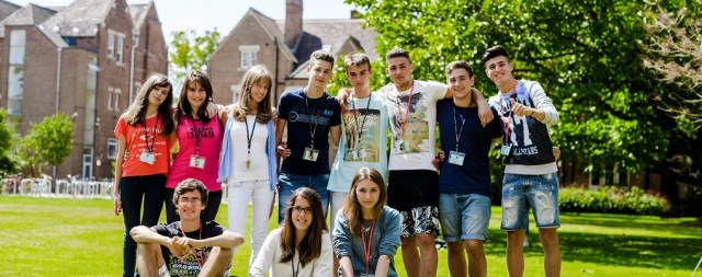 Students_oxford_mala