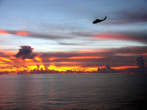 https://i1.wp.com/www.strategypage.com/gallery/images/patrolling_south_china_sea.jpg?resize=600%2C448&ssl=1