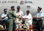 Group Captain BS Reddy being presented the 'Golden Key' to the squadron by Defense Minister AK Antony | DPR, Defense Ministry