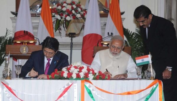 Japanese Prime Minister Shinzo Abe with Indian Prime Minister Narendra Modi   Photo: PIB
