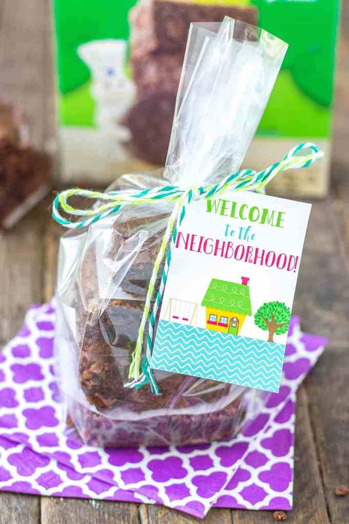 These Pillsbury Pillsbury Girl Scouts Baking Mixes feature the flavor of Samoas in their Caramel and Coconut Blondies and Thin Mint Cookies in their Thin Mint Brownies. All I can say is, Pillsbury nailed it. Now you can enjoy the flavor of Girl Scout cookies all year long! | Strawberry Blondie Kitchen