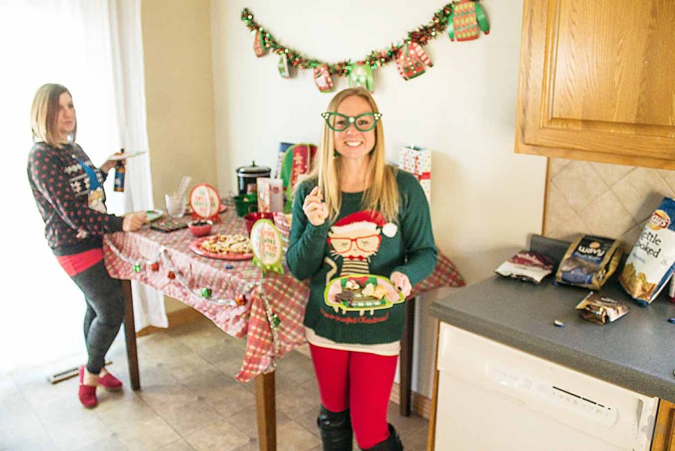 Ever wonder How to Throw an Ugly Sweater Party? I'm here to help with all the delicious foods, tasty beverages and the cheesiest decorations you can find! | Strawberry Blondie Kitchen