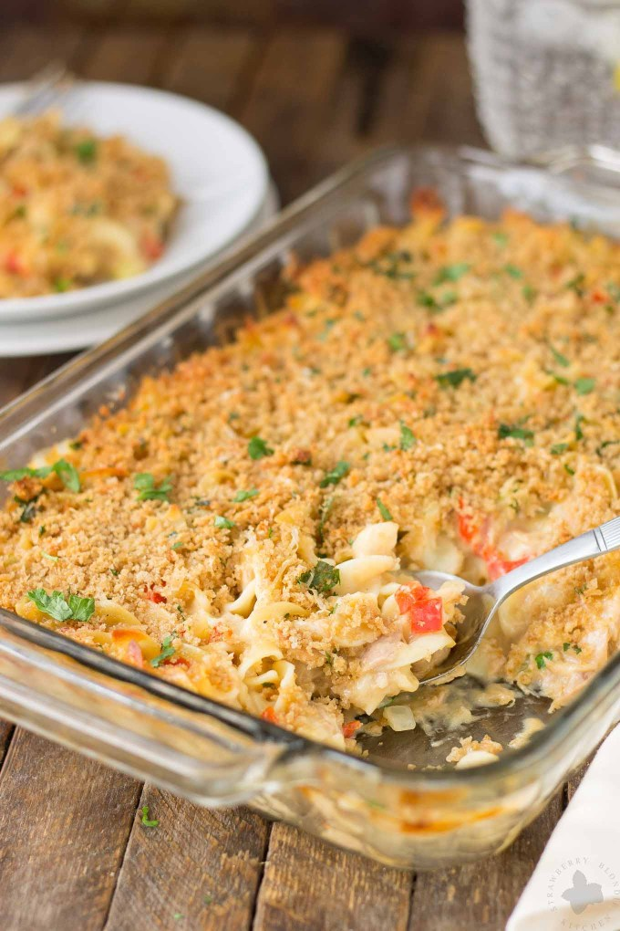 Delicious, creamy and made healthier with a few ingredient swaps, this Lightened Up Cheesy Tuna Noodle Casserole has all the flavors you loved from when you were a kid! | Strawberry Blondie Kitchen