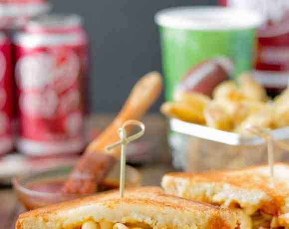 Dr Pepper Pulled Pork n Mac Sandwiches