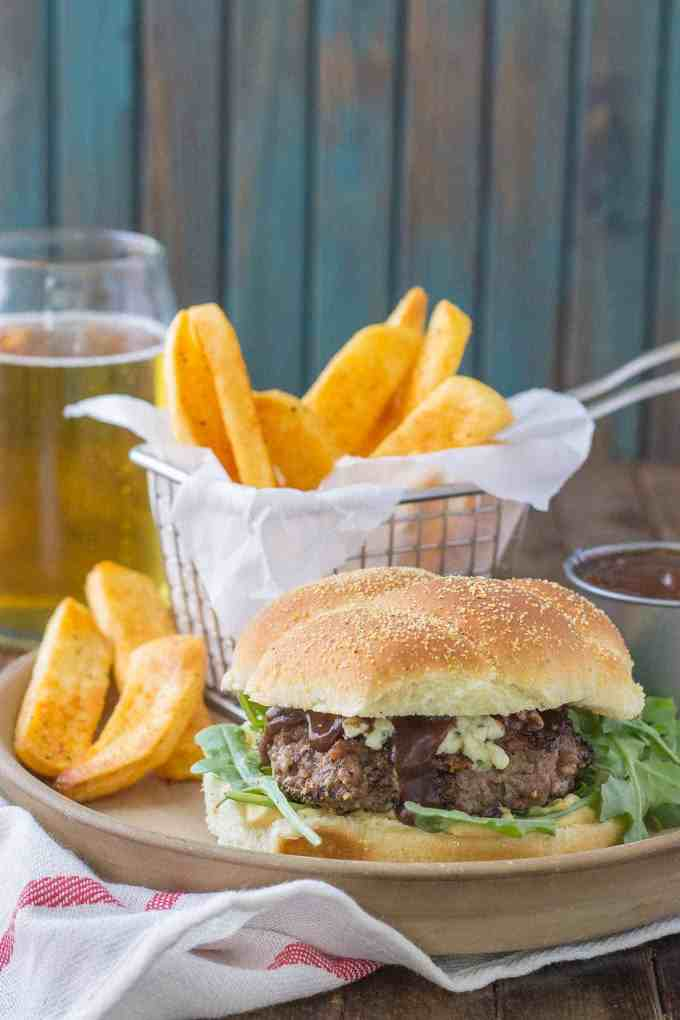 how to make blue cheese sauce for burgers