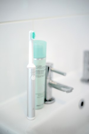 Uber Sonic Electric Toothbrush Review | UK Lifestyle Blog