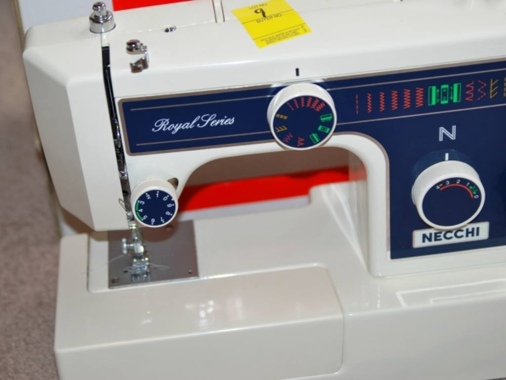 Threading Necchi Royal Series Sewing Machine 4795 Diagram