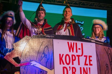 Nieuw Prinsenpaar Zwolle. Links Prins Maarten en adjudant Mark