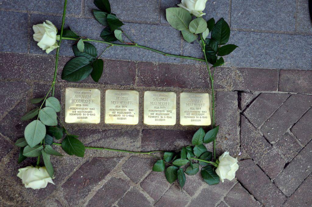 Monument 'levenslicht' op de Markt in Groenlo