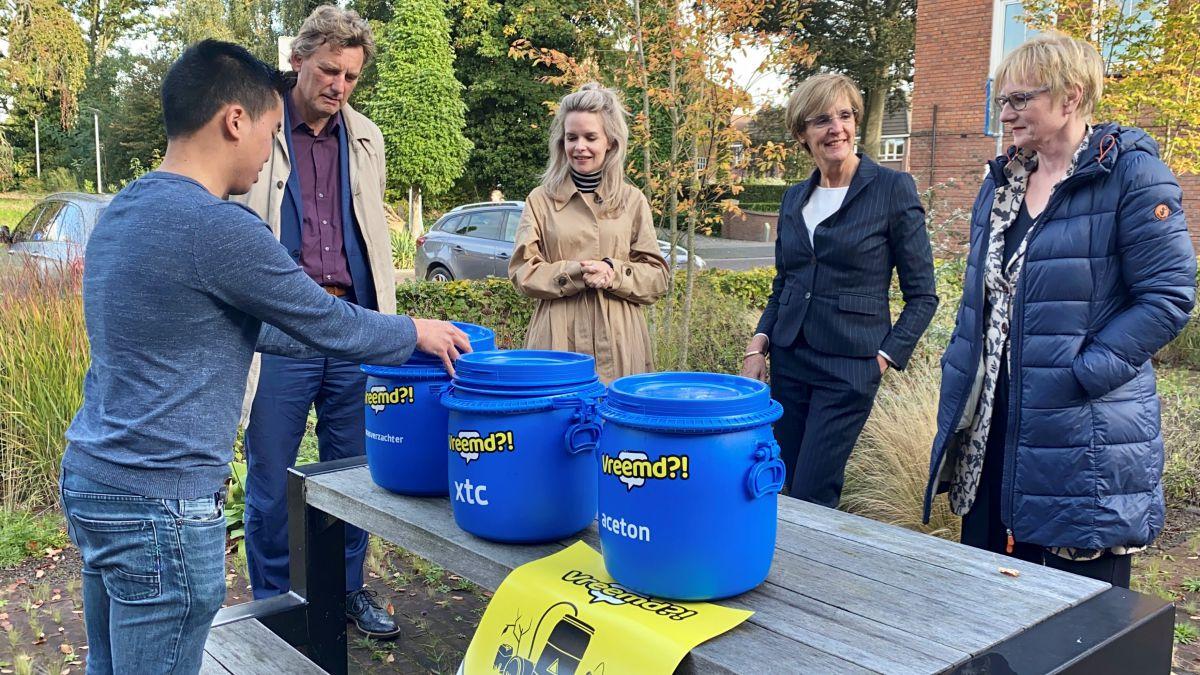 Burgemeesters in gesprek met Tweede Kamerlid Hanneke van der Werf over ondermijning