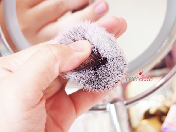 Colours Cosmetics Malaysia Flat Top Foundation Brush Bristle Softness