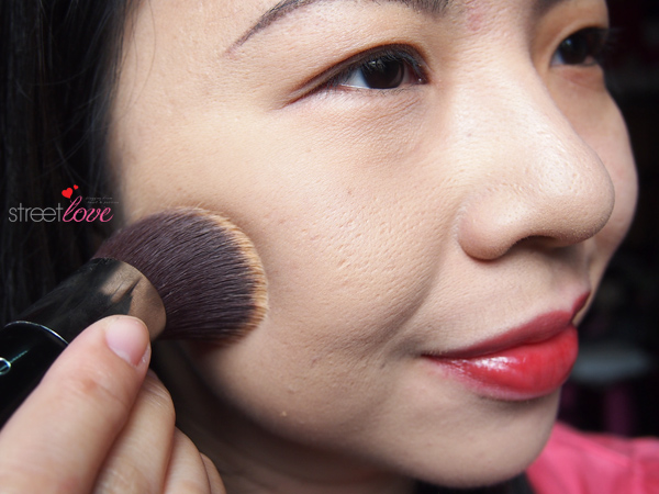 Colours Cosmetics Malaysia Flat Top Foundation Brush using with Powder Foundation 5