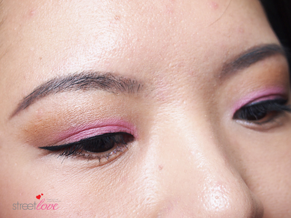 Make Up For Ever Artist Shadow Tutorial 10