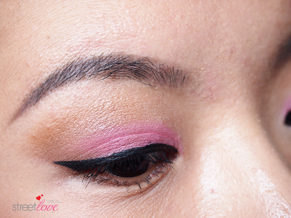 Make Up For Ever Artist Shadow Tutorial 12