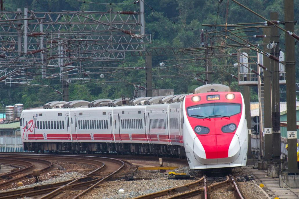 Taiwan_Puyuma_Express_TEMU2000