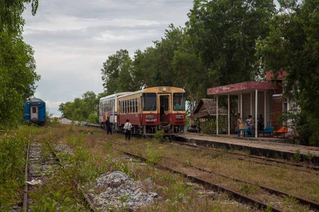 Thilawa train station