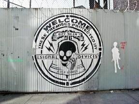 skullphone_street_art.jpg