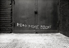 read_more_books_street_art.jpg