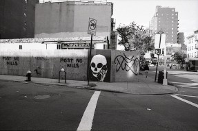 skullphone_in_nyc.jpg