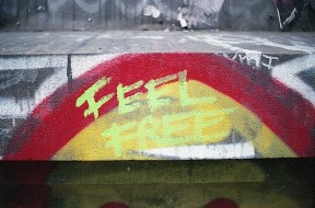 feel_free_street_art_nyc.jpg
