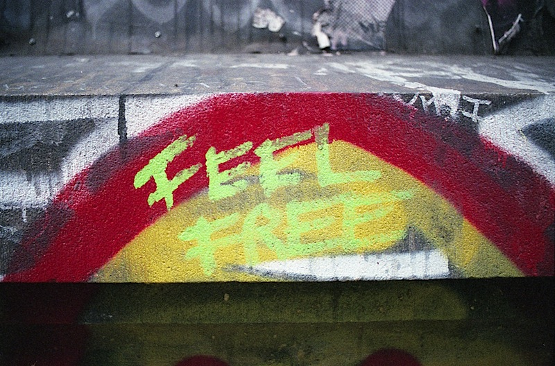 feel_free_street_art_nyc.jpg