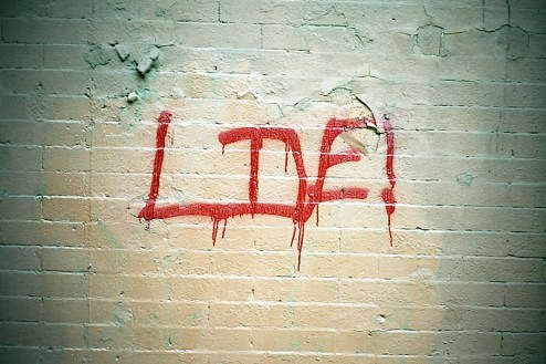 graffiti that reads live in NYC