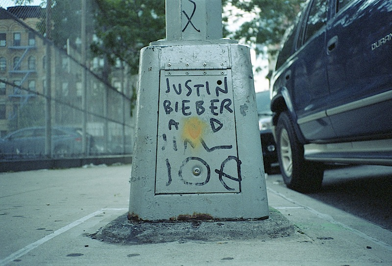 justin_bieber_and_jim_joe_graffiti.jpg