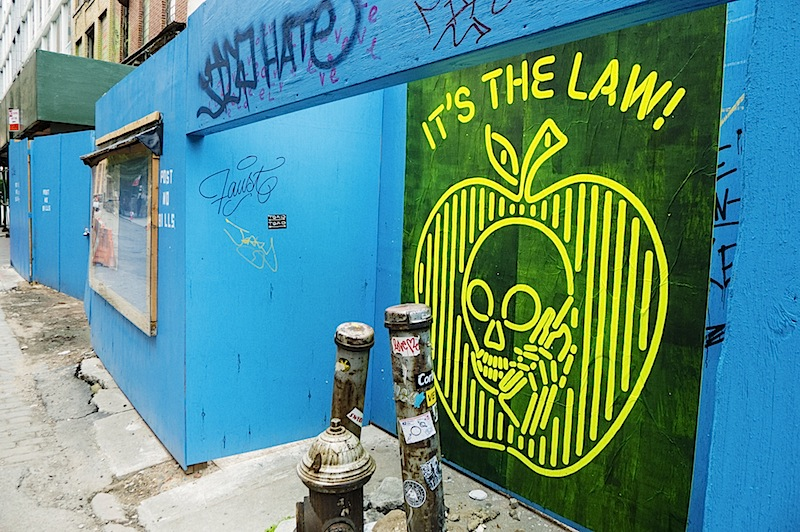 skullphone_faust_loveme_graffiti_nyc.jpg