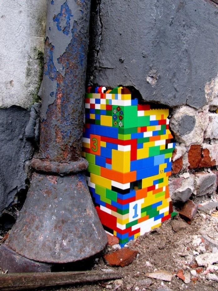 Lego bricks in the wall – 1