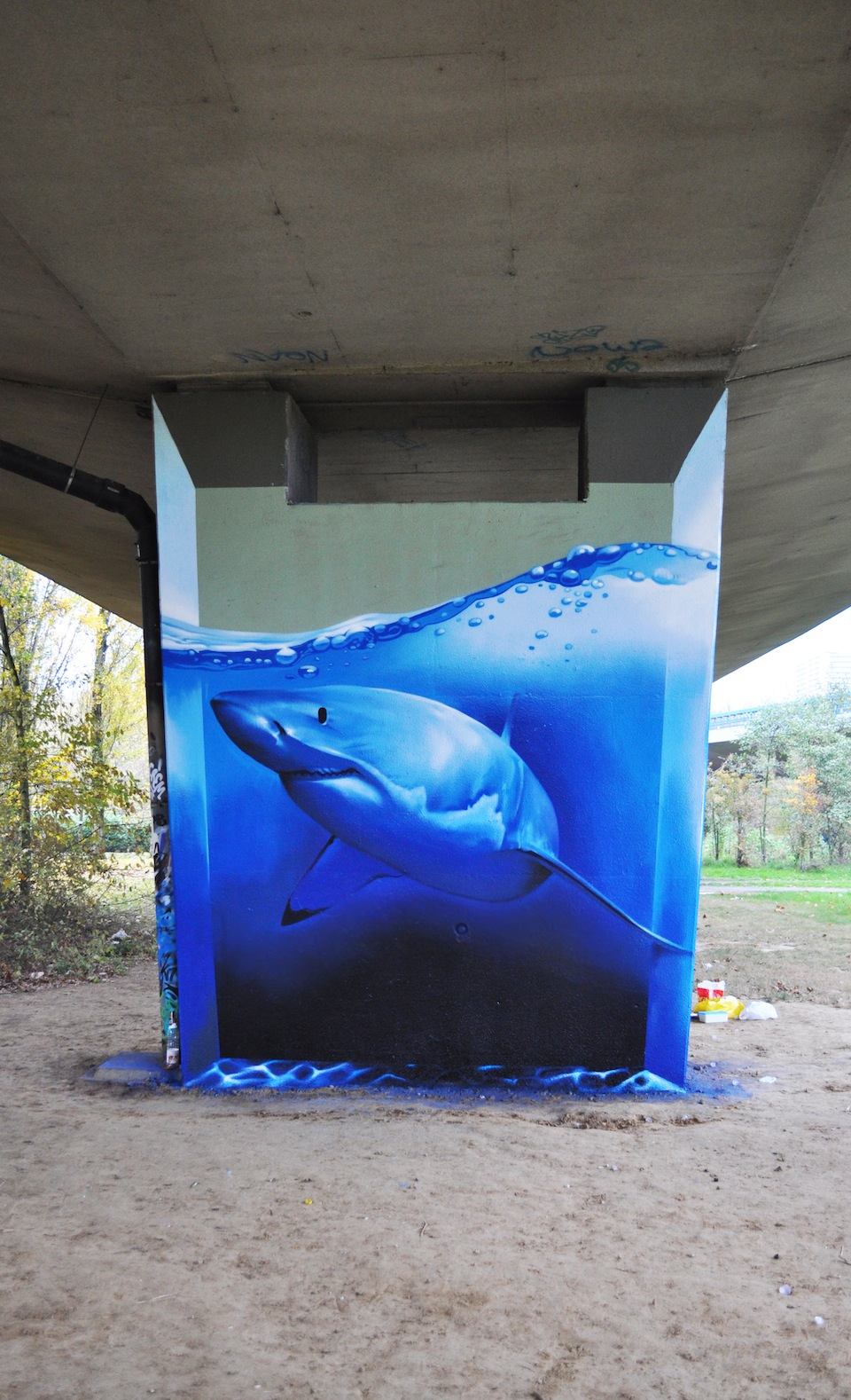 Graffiti by Smates in In Brussels, Belgium