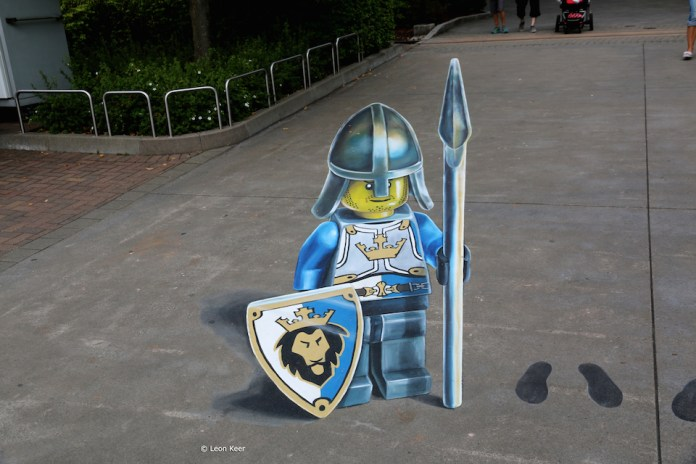 3D Street Art by Leon Keer at Legoland 2014 3
