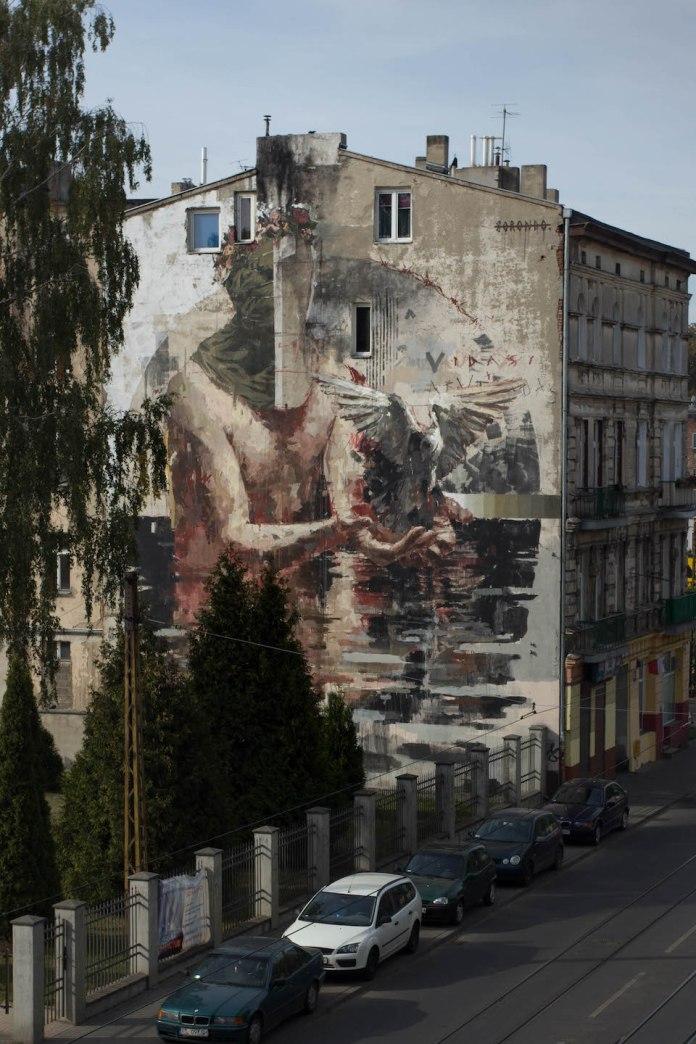 Mural by Borondo in Lodz, Poland 4