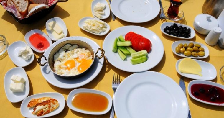 Turecké raňajky. Ako chutí začiatok tureckého dňa?