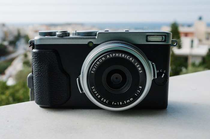 Fujifilm X70 product photo
