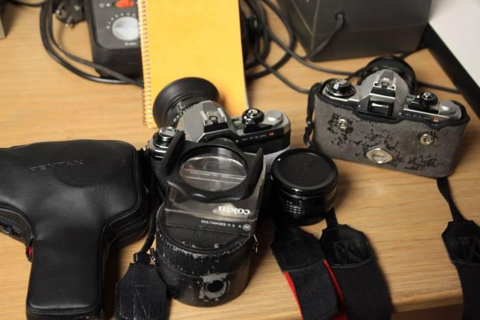 Inside Dezutter Etienne's Camera bag - Bag No.191