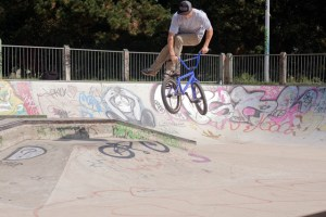 Whip | Kings Skatepark | Photo: Oli Hilyer-Riley