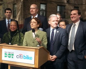 DOT Commissioner Polly Trottenberg introduces Alta Bicycle Share CEO Jay Walder, behind her. Photo: Stephen Miller
