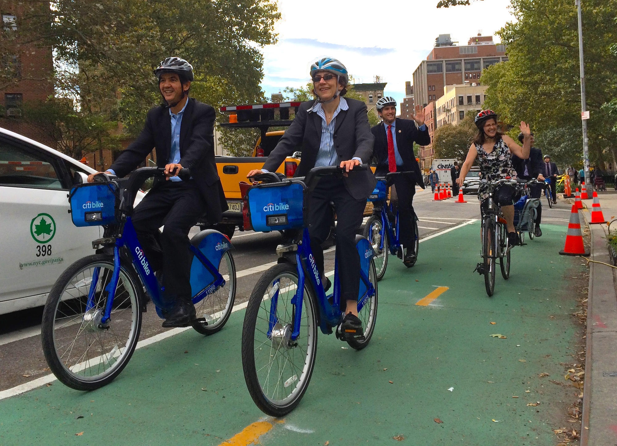 DOT NYC To Install Record Number Of Protected Bike Lanes In - Nyc map bike lanes