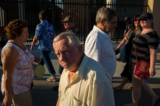 Street Photographer's Guide To The CNE - Dealing With Crowds